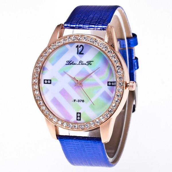 Brilhante Clássico de Moda de Luxo Pulseira De Couro Banda Barato Mulheres Relógio de Quartzo Presentes Do Valentim 2018 Montre Sport Girls Para Estudantes