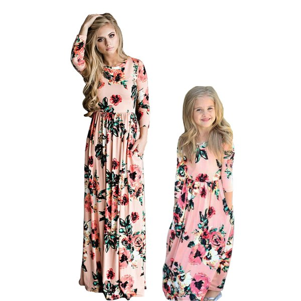 Mother Daughter Bohemian Maxi Dress Family Matching Outfits 2019 Fashion Mommy And Me Floral Long Dress Family Fitted Y19051103