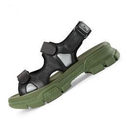 Designer Riveted Sport Sandals Luxe Diamant Marque Hommes et Femmes Loisirs Sandales Mode En Cuir En Plein Air Plage Pantoufles 102