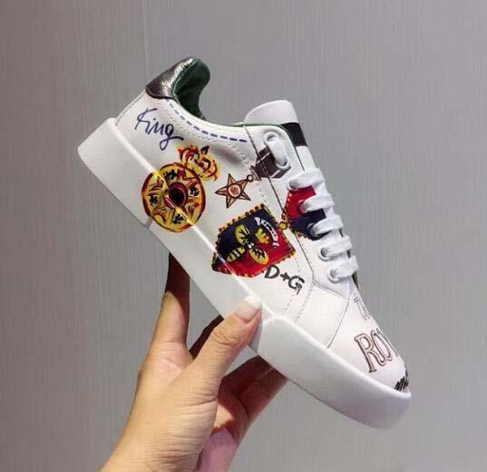 Yeni Deri Flats Tasarımcı Sneakers Kadınlar Klasik Rahat Lüks Franch Marka kral Ayakkabı Son Derece Yürüyüş Runnig Dayanıklı Chaussures A1