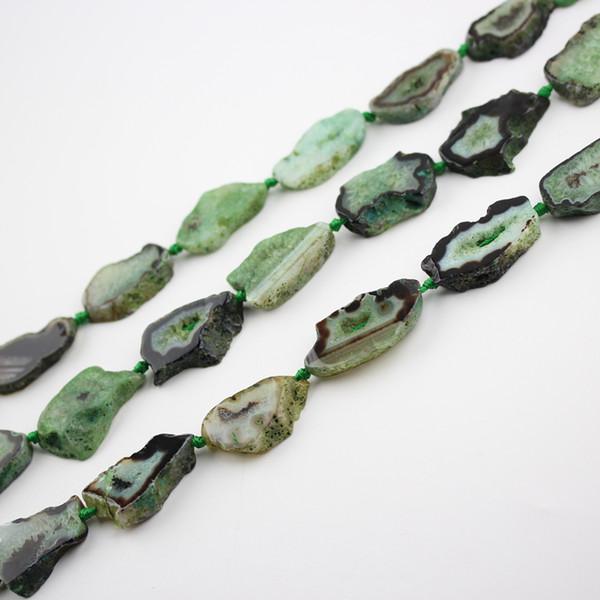 Окрашенные оливково-зеленый Агаты жеод просверленные плиты бусины подвески прядь, свободной формы Агаты природные камни свободные бусины ломтик подвески ювелирные изделия