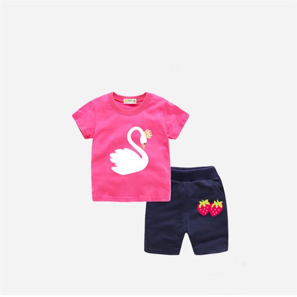 buena ropa de verano para niñas qulaity conjunto 2019 niños de dibujos  animados 2 unids trajes de algodón camiseta + pantalón corto conjunto bebe  deporte ... ca32fe3e56176