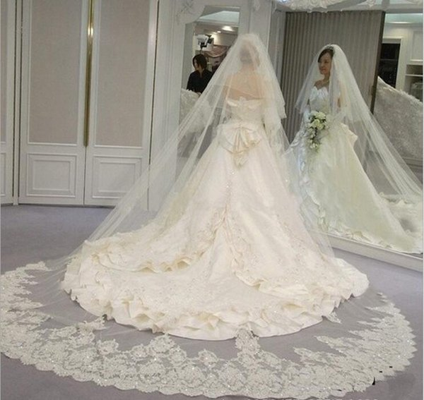Two Layers White Ivory Wedding Veils Soft Tulle Cathedral Length Long Bridal Veil Appliques Lace Sequined Church Wedding Veil
