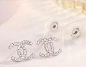 best selling hot metal earrings fashion designer to create crystal earrings elegant ladies brand name earrings free shipping 072