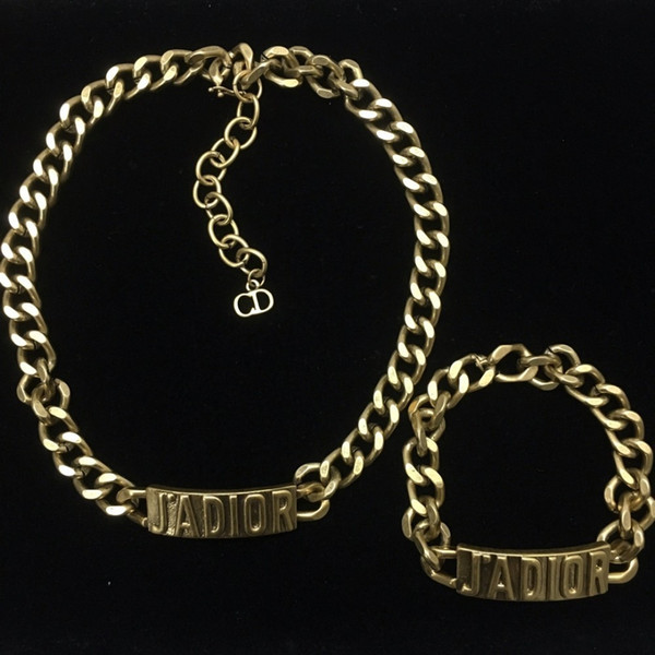 2019 new lady charming fashion link Chain bracelets highly recommended Letter stylein
