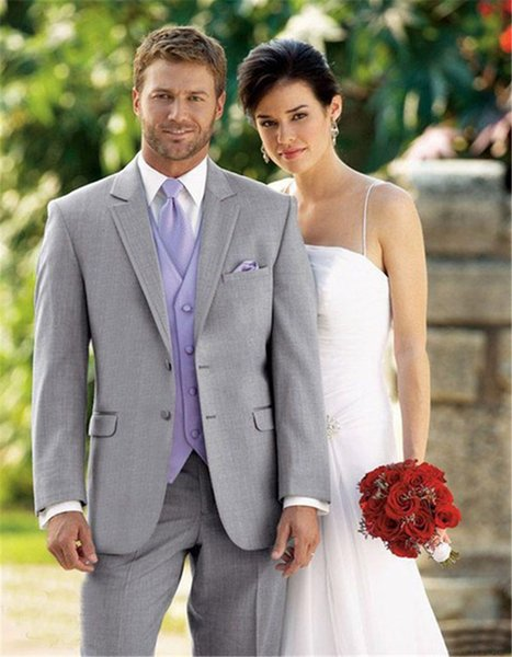 2019 Fashion Light Grey Groom Tuxedos Morning Style Two Buttons Best Man Wedding Groomsman Suit Three Pieces Formal Suits