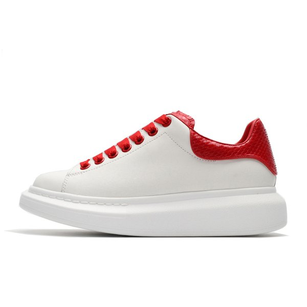 Red Sneakerin