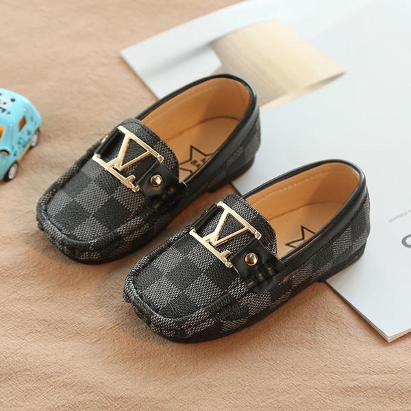 Mode L et V lettre Enfants Pois Nouveau Garçon Petite PU Cuir britannique Vent En cuir Mocassins Enfant Fond mou Blanc Enfant Chaussures Casual 21-30