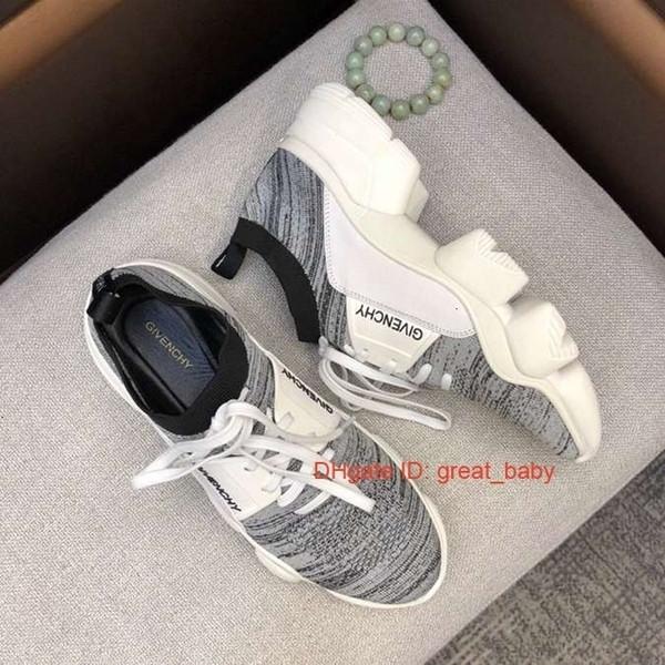 Para hombre zapatillas blancas bordado ocasional de abeja el lado con la caja 071101