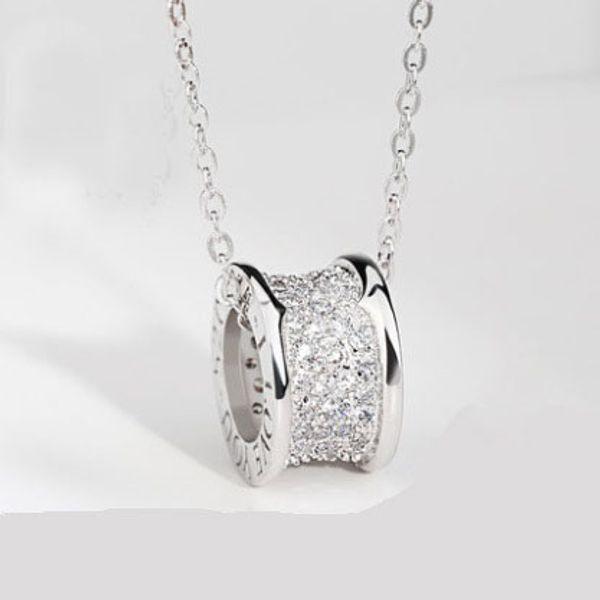 Plata + gemas en el centro