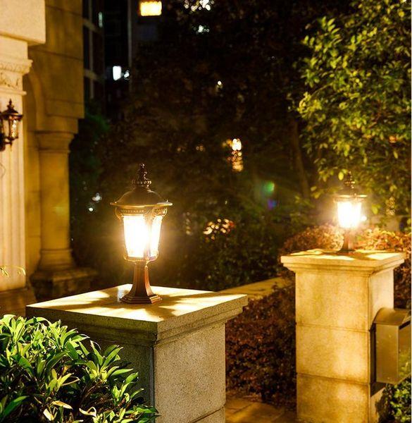 Lampada da pilastro impermeabile vintage Illuminazione per esterni Lampada da giardino con luce a pilastro Lampada da parete per uso domestico Plafoniera da giardino Villa LLFA