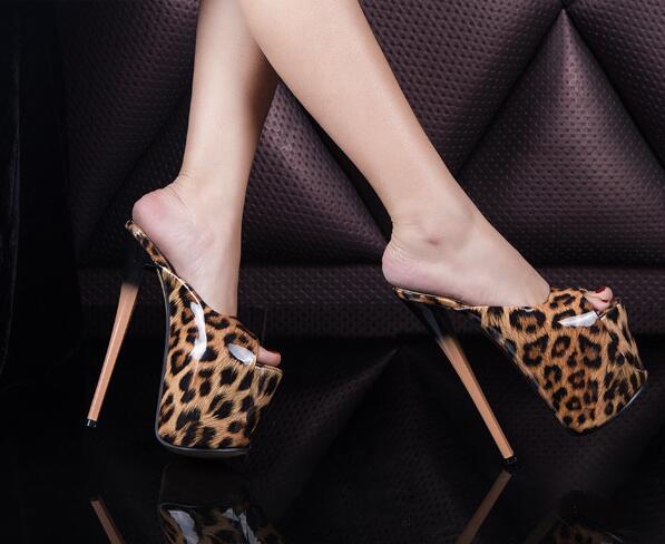 Yeni Şeffaf PVC 19cm Süper Stiletto Seksi su geçirmez Platformu Yüksek topuklu Leopar Kadın Sandalet Bayan Yaz Terlik