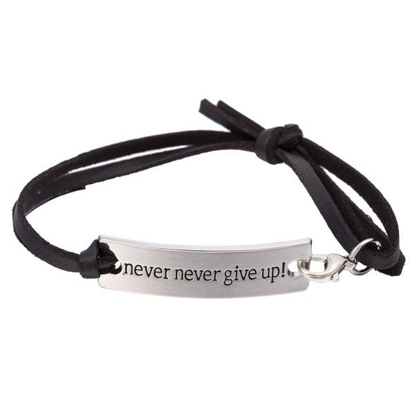 Never Never Give Up cuoio del braccialetto vichingo inciso Inspirational Quota regalo dei monili braccialetto donne degli uomini di laurea