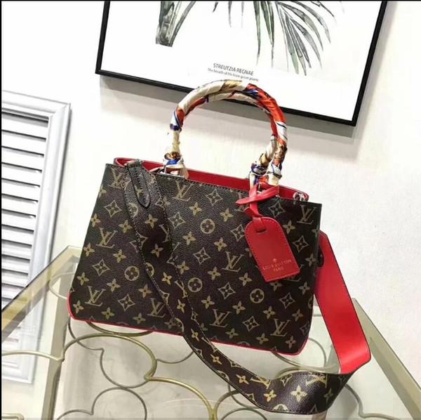Klassische Flap Bag Frauen Plaid Chain Bag Damen Abzeichen Handtasche Fashion Designer Geldbörse Schulter Messenger Bags Hochwertige Geldbörse Brieftaschen B045