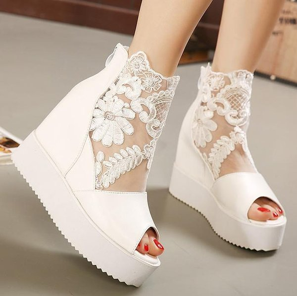 White peep toe, come with box