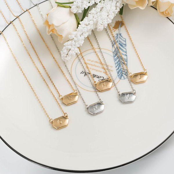 A-Z Alfabeto inglés Letra inicial Collar Plata Chapado en oro collar de diseñador de joyas de concha blanca collar de diseñador de lujo collar de mujer