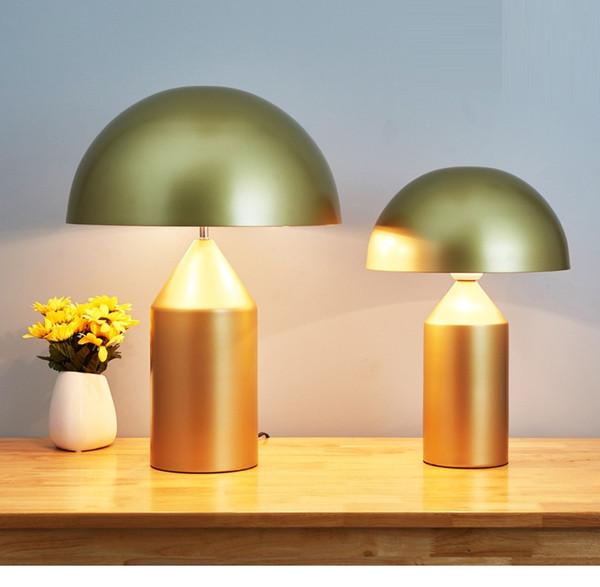 Lampada da tavolo a fungo in metallo bianco nero oro moda in stile nordico italiano soggiorno lampada da tavolo hotel lampada da studio per ufficio