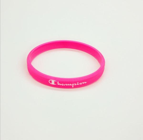 흰색 문자가있는 핑크색