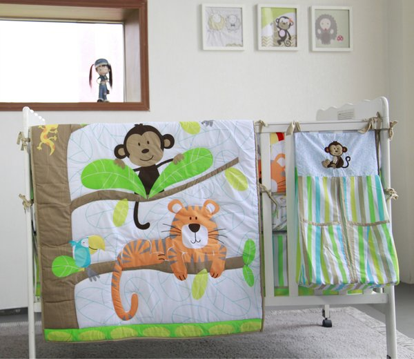 Nueva llegada 9Pcs Baby Organizer para recién nacido Juego de cama de cuna Cuna Quilt Cuna conjunto de parachoques Animal world Edredón Hoja de cuna Polvo Ruffle