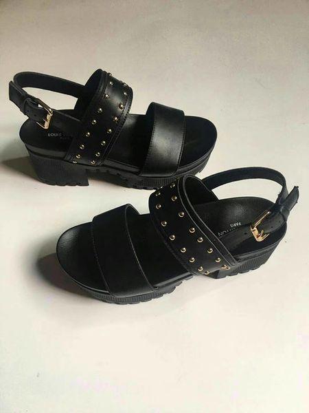 2019 Super brand designer sandals Gladiator sandals are made of vintage leather The female sandals Women's shoes GNB11