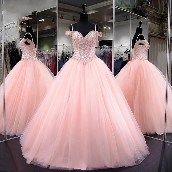 Princesa rosada Vestidos de quinceañera 2019 Nuevas correas espaguetis Dulce 16 Vestido de bola Rebordeado de tul Debutante Vestidos Vestidos de tul de 15