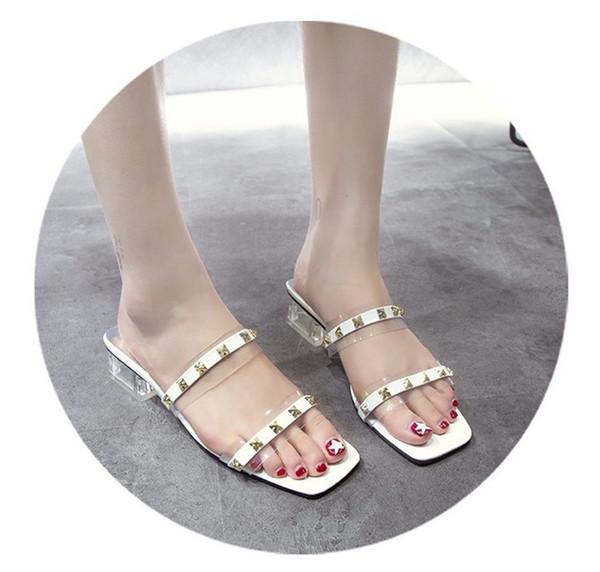 Mulheres Designer de Sandálias Das Mulheres Flip Flop Sapatos Abertos Rebite Calcanhar Estilo Transparente Fabricante Fábrica Frete Grátis Hot New Arrival Moda