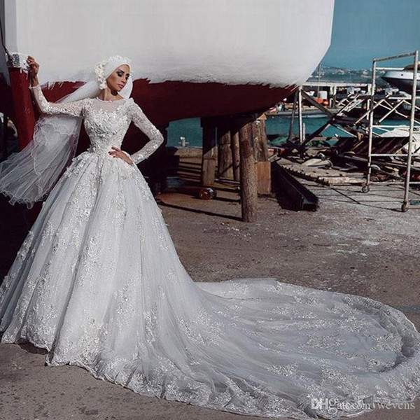 Vestido De Noiva 2019 Muslim Wedding Dresses Jewel Neck Long Sleeves 3D Floral Appliqued Beaded Chapel Dubai Arabic Bride Gowns Court Train