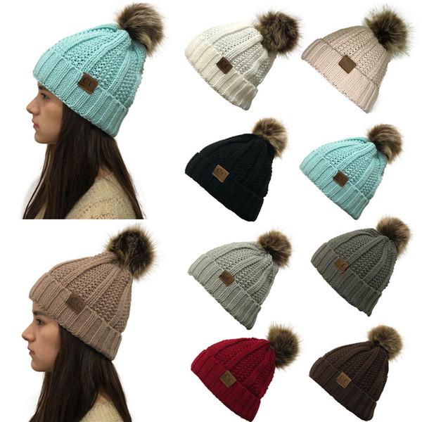 2019 CC Knit Beanies Mütze Pom Pom Big Girl Damenmode Warme Strickmützen 9 Farben Winter Häkeln Outdoor Schwarz Kaffee Grau Beige
