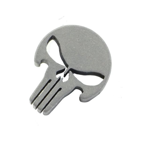 Mini Kafatası Desen Şişe Açacağı Titanyum Alaşım Kolye Metal EDC Şemsiye Halat Aksesuarları Yaratıcı Siyah Anti Giyim 10sj C1