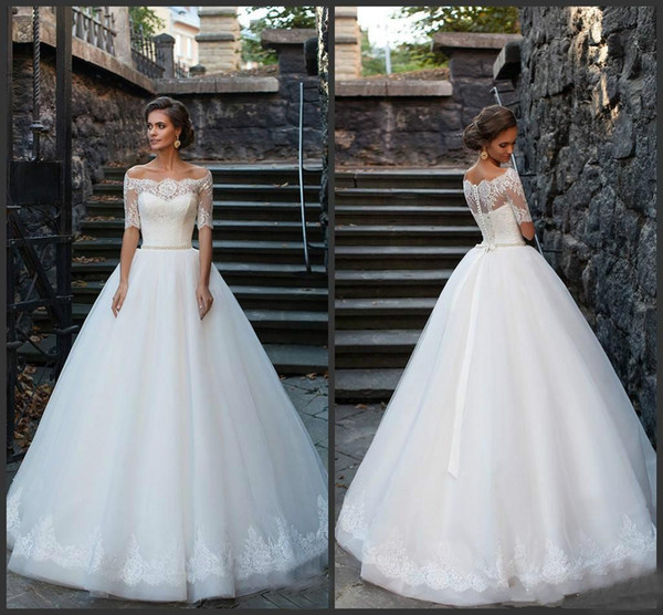Vintage Country Off Shoulder Wedding Dresses With Half Sleeves Floor Length Tulle Lace Button Back Bridal Gowns With Beaded Sash Cheap Aline