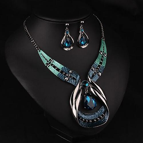 Set di gioielli di moda orecchini collana girocollo pendente girocollo in argento