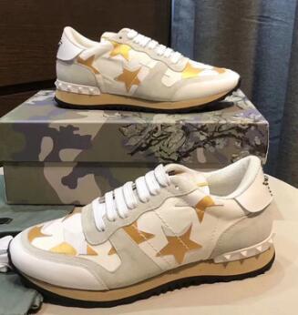 Amantes Sapatos Casuais Sapatilhas Starstudded Couro Rock Runner Chaussures Camo Sneakers e Cravejado Rockrunner Casual Walking Flats lkl99