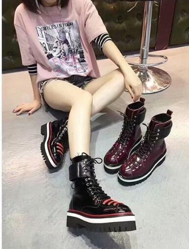 Yeni Yüksek top Kalın topuk Şarap kırmızı Siyah Çizmeler Ayakkabı Koyun Derisi Moda Sıcak Martin Bootes