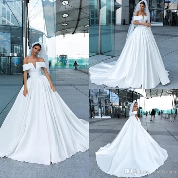 2019 Crystal Design Beach Satin Wedding Dresses Sexy Off Shoulder Backless Simple Summer Beach Vestidos de novia Sweep Train A Line Vestido de novia