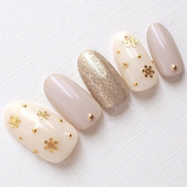 Christmas gift New nude pure color with golden snow decoration false nails bride lady full nail tips cute decorated fake nails