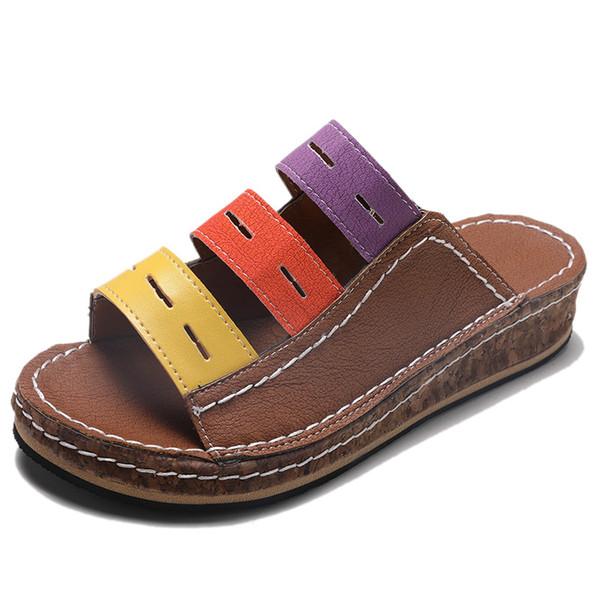 Zapatos de cuero de la PU de las mujeres Plataforma cómoda Suela plana Señoras Casual Sandalia suave Mujeres Ourdoor Sandal Slippers Zapatillas de playa de moda