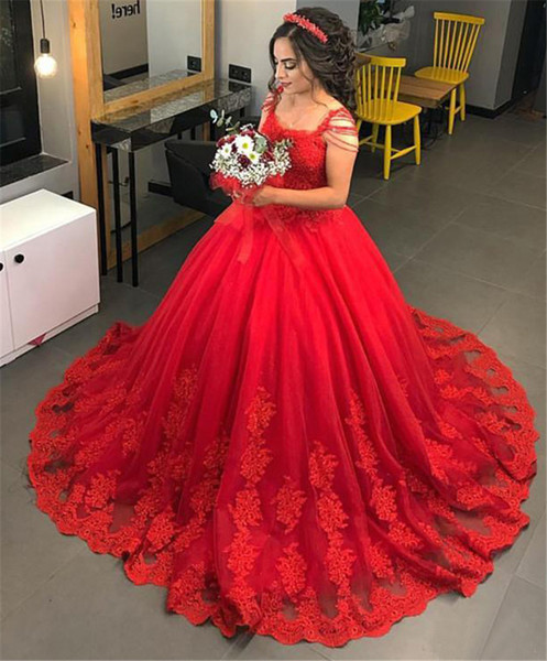 Red Saudi Arabic Beading Wedding Gowns Vintage Appliques Lace Puffy Bridal Dresses Ball Gowns For Wedding Plus Size