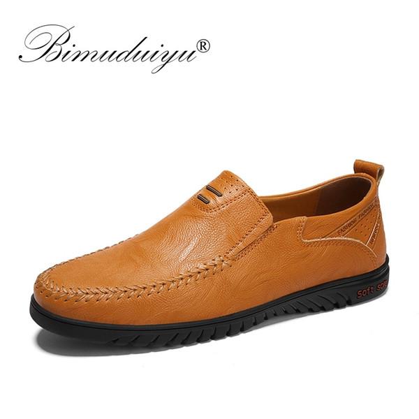 8dffaa2190d BIMUDUIYU Primavera Zapatos para hombre italianos Marcas casuales Hombres  de cuero Mocasines Mocasines de lujo Resbalón