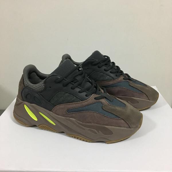Yeni Dalga Koşucu 700 V2 Geode Statik Atalet OG Katı Gri Leylak Erkek Kanye West Koşu Ayakkabıları Women189 Spor Atletizm Sneakers