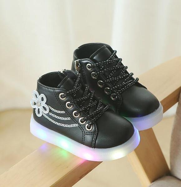 Automne et Hiver Édition Coréenne Mode Loisirs Éclairage Chaussures Enfants Percer Eau Fleurs LED Veilleuse Fond Doux Filles Chaussures Bébé Sh