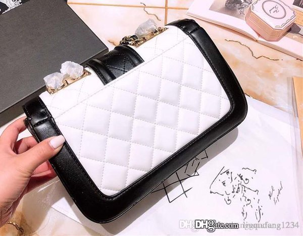 Female Inclined Shoulder Bag Trend Hitting Scene Ling, Chain Bag Patent Leather Mini Shoulder Bag Is Contracted Leisure Small Package