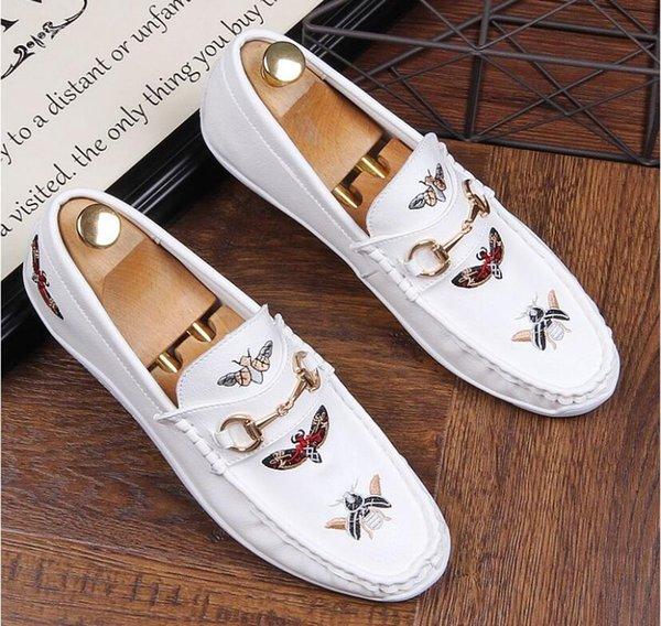 Luxo Homens bordados Sapato de couro genuíno Shoes Mens sapatos formais Apontado Toe sapatos Homens Flats escritório da festa de casamento Shoes