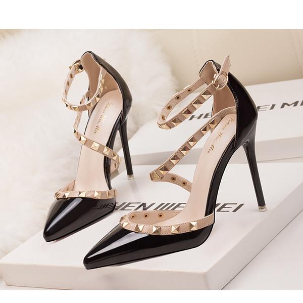 Les femmes noires escarpins sexy en cuir verni bout pointu rivets de la mode chaussures de mariée dame peu profondes stiletto chaussures à talons hauts 10cm
