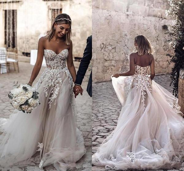 2019 Diseño simple Tallas grandes Estilo Country 3D Floral Apliques Vestidos de novia Bohemios Vestidos de novia para novias robe de mariée BC2024