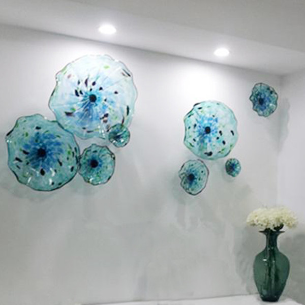 top popular Chihuly Style Murano Flower Glass Plates Wall Arts blue color Luxury 100% Hand Blown Glass Hanging Plates Irregular Wave Shape 2021