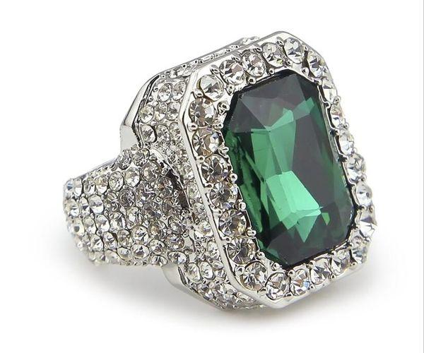 Серебряный зеленый камень