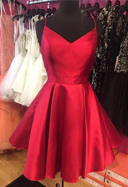 Cuadros reales Vestidos de fiesta cortos rojos simples Una línea Correa de espagueti Criss Cross Backless Mini vestidos de cóctel Graduación para adolescentes