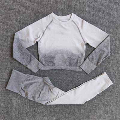 conjunto blanco grisáceo