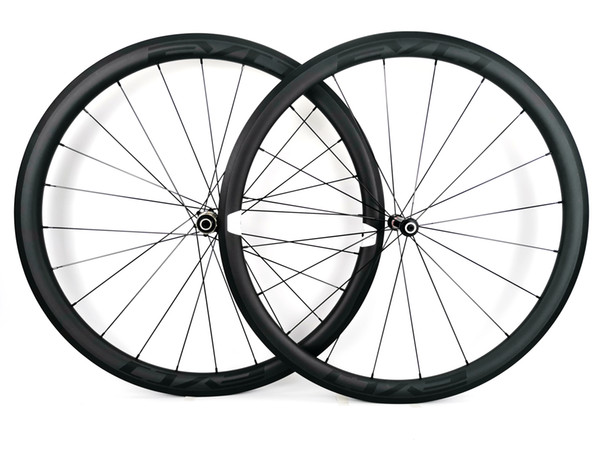 Ruedas de carbono de escalada 700C súper ligeras 38 mm de profundidad remachador de 25 mm de ancho / Juego de ruedas de bicicleta de carretera tubular UD acabado mate calcomanías EVO