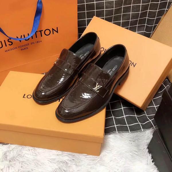 2019 Mens Luxury Saint Germain V Zapatos de vestir de diseñador Mocasines casuales de cuero marrón oscuro de los hombres Resbalón en los zapatos Oxford puntiagudos con bolsa dus